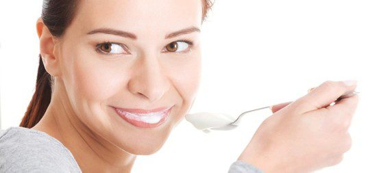 Mujer yogur